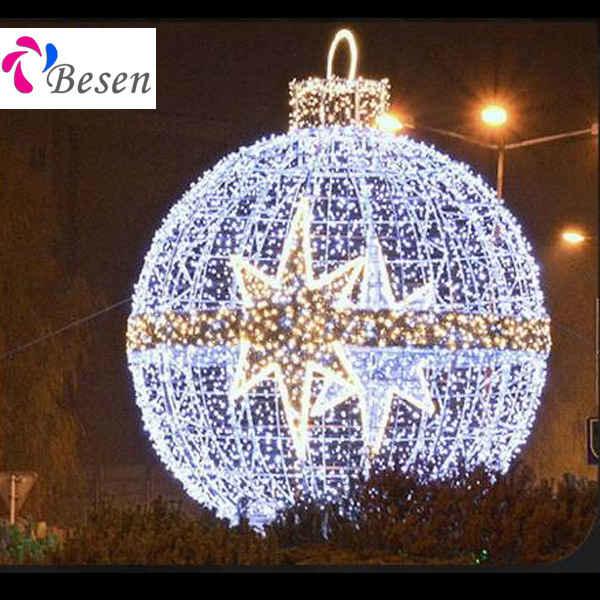 Giant Christmas Balls  Besen - Giant Ball Motif -
